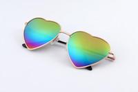 ingrosso occhiali da sole gradienti a forma di cuore-più economico !!! 2017 New Fashion Women Love Heart Shape Gradient Color Occhiali da sole UV400 Lady Vintage Style Cute Design Sunglasses