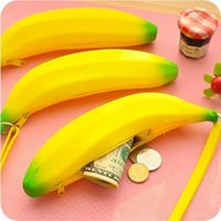 Novelty Funny Silicone Portable Amarelo Banana Coin Pencil Case Unique Purse Bag Wallet Pouch Keyring Hot Selling