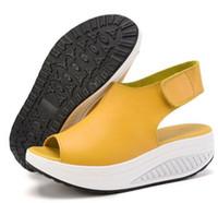 balançoires en cuir achat en gros de-2019 Été Femmes Sandales Casual Peep Toe Chaussures Swing Dames Plateforme Compensées Sandales Chaussures De Marche Femme Sandalias En Cuir Zapatos