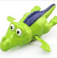 Barato Brinquedo De Crocodilo Natação-Wind Up Water Baby Bath Toy Funny Wind Up Clockwork Dabbling Crocodilo de natação para crianças Brinquedos educativos YH986-1