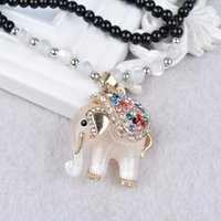 Collier de diamants en diamant blanc et chanceux à l'elephant et long joker