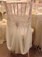 ingrosso fasce di copertura della sedia in pizzo avorio-Coprisedili in cristallo chiffon di pizzo avorio su misura 2017 Coprisedili romantici vintage per sedie Bellissime decorazioni per matrimoni di moda