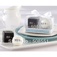 Wholesale Sets Canisters - Wholesale-Hot Round Cube Ceramic Mr.and Mrs.Salt Pepper Shakers Canister Set Wedding Gif
