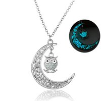 Wholesale hollow owl - Vintage Hollow Out Moon Lovely Owl Light In The Dark Necklace Fashion Women Silver Plated Noctilucence Necklace NY366