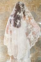 eski tarz tarak toptan satış-Yeni Varış 1 Metre Tarak Olmadan Vintage Stil Kısa Düğün Veils Güzel Dantel Gelin Peçe Düğün Aksesuarları