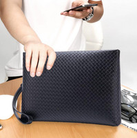 Wholesale Leather Envelopes For Men - The factory brand package Korean hand woven hand bag leather clutch for the trend of business men's bag weaving metrosexual man