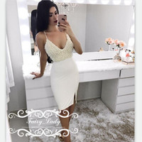 2017 Luxus Perlen Spaghetti Strap Cocktail Kleider Kurze kleine Seite Split White Satin Sexy Backless Mantel Party Prom Kleid Kleid
