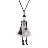 neue mädchen puppen großhandel-Aussage Nette Puppe Halskette Kleid Handgemachte Französisch Puppe Anhänger Neuheiten Legierung Mädchen Frauen Keychain Modeschmuck Geschenke