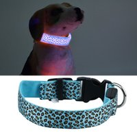 2017 Nylon Pet Dog Collar Luminous Ring Dog Collar LED Flash Light Pet Supplies Azul Colorido com 3 Light para cães pequenos Segurança