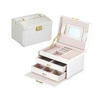 Wholesale Korea princess beige portable jewelry box wooden with matel lock Europe leather jewelry storage beads box cm