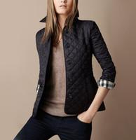 chaqueta de marcas preppy al por mayor-Al por mayor-Nueva chaqueta de las mujeres del otoño del invierno del diseño de la marca de moda de algodón chaqueta delgada de estilo británico de la tela escocesa que acolcha parkas