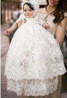 qualität taufkleider großhandel-Hohe Qualität Taufkleid Baby Mädchen Taufe Kleid Weiße Spitze Applique Kleinkind Robe Mit Mütze 0-24month