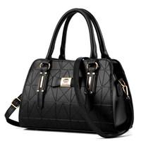 Wholesale hand bags resale online - 2018 New Luxury Women Handbags Lady PU Leather Crossbody Shoulder Messenger Bags Female Boston Bowknot Ladies Hand Bags