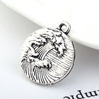 Hot Vintage Design Antique Silver Plated Round Shape Scenery Overwhelming Waves Engraved Round Pendant Charms For DIY Jewelry