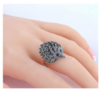 Vintage Punk Ring Personalidade Única Carved Silver Hedgehog Lucky Rings For Women Crystal Party Jewelry