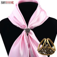 Vintage Alloy Silk Scarf Buckle Lovely Gold Silver Plated Hollow Flower Scarf Broches para mulheres Broches Jóias Fashion Bijoux