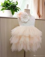 hochzeitstorte tutu großhandel-Mädchen-Parteikleid Heiße Kinder Stereo Blumen Spitze Tüll Tutu Kleider Mädchen zurück V-Ausschnitt Tüll Kuchen Kleid Kind knielangen Hochzeitskleid A9044