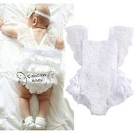 bebek beyaz tulum toptan satış-INS 2017 Yaz Toddler Giysileri Bebek Bebek Kız Beyaz Dantel Romper Prenses Backless Kemer Tulum Sunsuit Tek parça Kıyafetler Çocuk Giyim