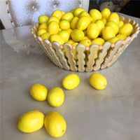 decorações de limão venda por atacado-Mini Amarelo Artificial Faux Lemon Simulação De Plástico Frutas Sala de estar Decoração de Casa Decoração De Mesa Ornamento Decorativo ZA2603