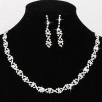 ingrosso bling collane di nozze-2017 Bling Crystal Set di gioielli da sposa placcato argento collana di diamanti orecchini set di gioielli da sposa per la sposa accessori damigella d'onore CPA796