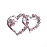 pequeño broche claro al por mayor-Rhodium Silver Tone Clear Diamante Crystal Broche de doble corazón pequeño Pin