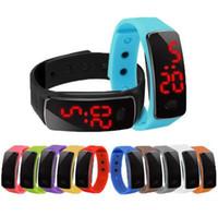 сенсорные силиконовые светодиодные часы оптовых-Новый дизайн конфеты светодиодные силиконовые браслет часы красочные модные женщины Мужские спортивные сенсорный цифровой светодиодные часы с силиконовой лентой