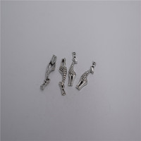 nuovi materiali: lega di zinco metallo 39 * 11mm, loop: 1mm 6pcs pendente ciondolo bella giraffa T0080 o T0080-B