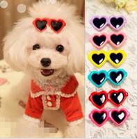 lunettes de soleil chiot achat en gros de-50pcs / lot Dogs résine lunettes de soleil épingles à cheveux Pet mix cheveux Clip chiot chat barrette coiffure chien cheveux accessoires mignon barrette toilettage PD019