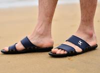zapatillas de masaje al por mayor-Al por mayor-Nuevo 2017 hombres sandalias de moda casual suave verano Flops PU masaje zapatillas zapatos para hombres Zapatos 39-44