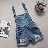 macacão jeans venda por atacado-Novo 2017 Meninas Jeans Lavados Macacão Mulheres denim shorts Casual Denim Macacão Bolsos bib Calças Curtas Plus Size denim curto