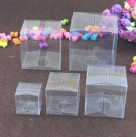 ingrosso torta regalo quadrato-Nave libera 50 pezzi Scatole di plastica trasparenti quadrate Scatola di regalo impermeabile trasparente Scatola da imballaggio in PVC Custodia per gioielli / Caramelle / Giocattoli / Torta