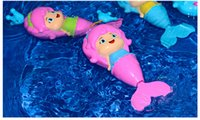 Vente en gros- 2017 Baby Cute Mermaid Clockwork Dabbling Bath Toy Classic Swimming Water Wind Up Toy WD039