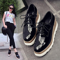 Wholesale american classic shoes - Hot sale Classic Women Flats Casual shoes European American style Comfortable breathable non-slip bottom Lace-up Platform Shoes for Women