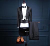 44 lange jacke großhandel-Bräutigam Smoking Frack Groomsman Blazer Herren Hochzeitskleid Prom Kleidung Smoking (Jacke + Hose + Weste) Schwarz Langer Herrenanzug
