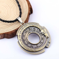 Wholesale Assassins Creed Figures - H&F Assassin's Creed Necklace Connor Amulet necklace assassins creed figure Cosplay jewelry Assassins Creed Necklace for men