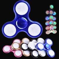 Metal 3 Pins LED Flash Light Spinner à main LED Fidget Spinner Finger Triangle à doigts Tri Spinner Handspinner Fidget Toys dhl OTH468