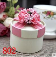 coffrets cadeaux cylindriques achat en gros de-Style européen New Wedding Flower Boîte à bonbons Cylindrical Wedding Favors Titulaire Cadeau 16 Styles pour vous 50 pcs livraison gratuite