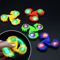 Luminous Kids Finger Toy Plastique LED Light Up Spinning Top Colorés Flash Hand Spinners EDC Sensory Fidget Spinner Hot Wheels OTH434