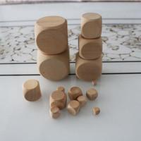 ingrosso grandi tavole di legno-55mm grande vuoto legno dadi fai da te grande cubo di legno bambini sicurezza giocattolo educativo bere gioco dadi gioco da tavolo accessori buon prezzo # B50
