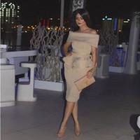 vestido corto de tul sin tirantes rojo al por mayor-Vestidos de cóctel 2019 Champagne Dubai Vestido de fiesta barato Mujeres árabes fuera del hombro Vestido de fiesta corto recto Oriente Medio Vestidos formales