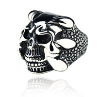 Vente en gros - 2016 New Punk Rock Hommes Biker Rings Vintage Vintage Gothic Skeleton Jewelry Antiquités Argent Dragon Claw Ring Men Skull Rings US Taille 8-10