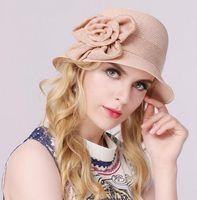 chapéus de palha floridos para mulheres venda por atacado-Mulheres Bonitas Tecido Praia Hat Cloche Chapéu com Flor Elegent Banda Balde De Palha Chapéu de Verão Chapéus de Sol Mulheres Fedora