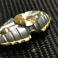 rolamento de tempo venda por atacado-Latão + Titanium Shell com rolamento Cerâmica Bicho-da-seda Chrysalis Dedo Handspinner Mão Spinner 116g 3 minutos de tempo de giro