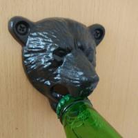 tampo da barra de cerveja cap venda por atacado-LJ-121 Ferro Fundido Do Vintage Urso Projeto Cerveja Soda Vinho Top Abridor Fixado Na Parede Tampão de Garrafa de Vidro Abridor de Lata Durável Bar Cozinha Abridores Ferramentas