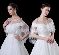 chales de cristal al por mayor-2018 encaje barato tul abrigos de boda con delicado apliques en 3D perlas de cristal chal de la boda chal bolero para la venta Stock CPA909