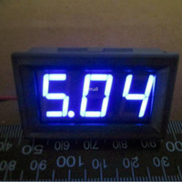 Freeshipping Mini 4.5-30VDC Digital Voltagem painel medidor DC 4.5V a 30V LED azul Voltímetro digital DC Voltage Monitor Meter6v 9v 12v