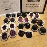 hermosas gafas de sol de color al por mayor-Moq = 10 unids Nuevo Verano Hermosas Mujeres Lindas Moda Seaside Exquisito Viaje Flores Gafas de Sol Beach Glasses UV400 16 Colores Envío Gratis