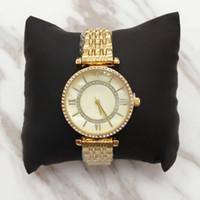 top-gold-kette design großhandel-Top Design Lady Armbanduhr mit Muschel Zifferblatt Steel Armband Kette Gold Damenuhr Dress Watch mit Glanz Diamond Japan Uhrwerk