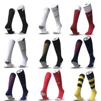 Wholesale Hot Men Sock Soccer - 2017-18 Highest Quality New Season Man Real Free Shipping Thai Quality United Sport Soccer Socks Hot Club In Madrid
