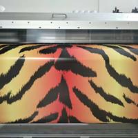 selbstklebende tieraufkleber groihandel-Tiger Haut Camo Vinyl Für Auto Wrap Mit Air Release Glanz / Matt Camouflage Aufkleber Film Truck Gedruckt selbstklebende 1,52X30 Mt